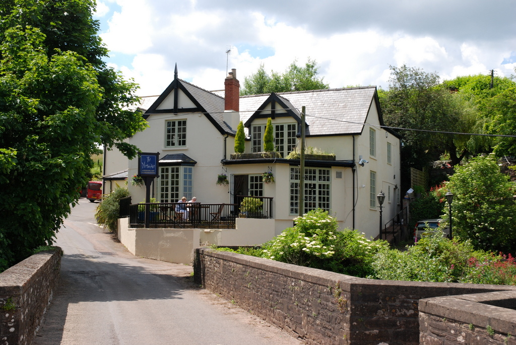 Hotels Near Newbridge